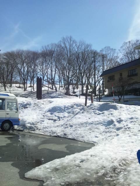志賀高原はまだ雪があります。