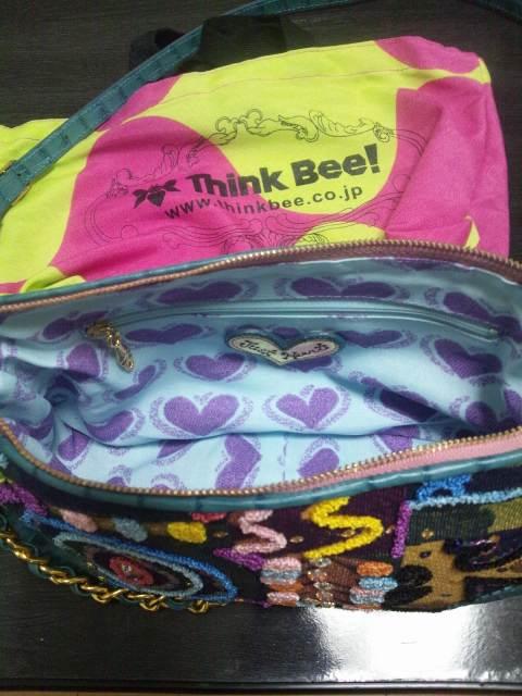 Think Beeの可愛いショルダーバッグのご紹介です♪